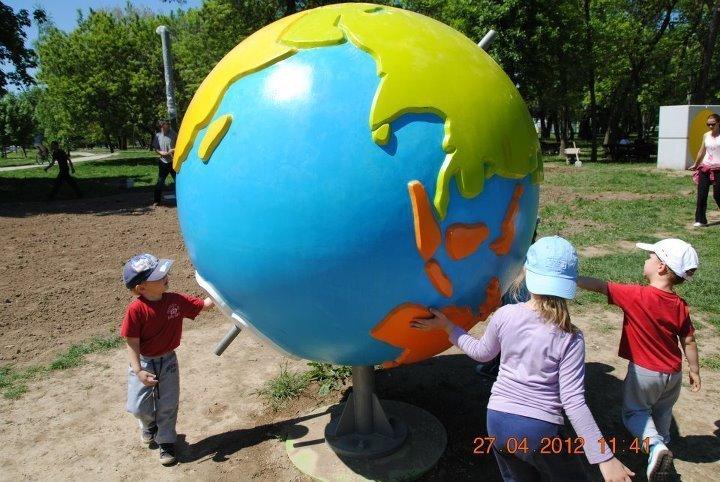 zan-zak-globus