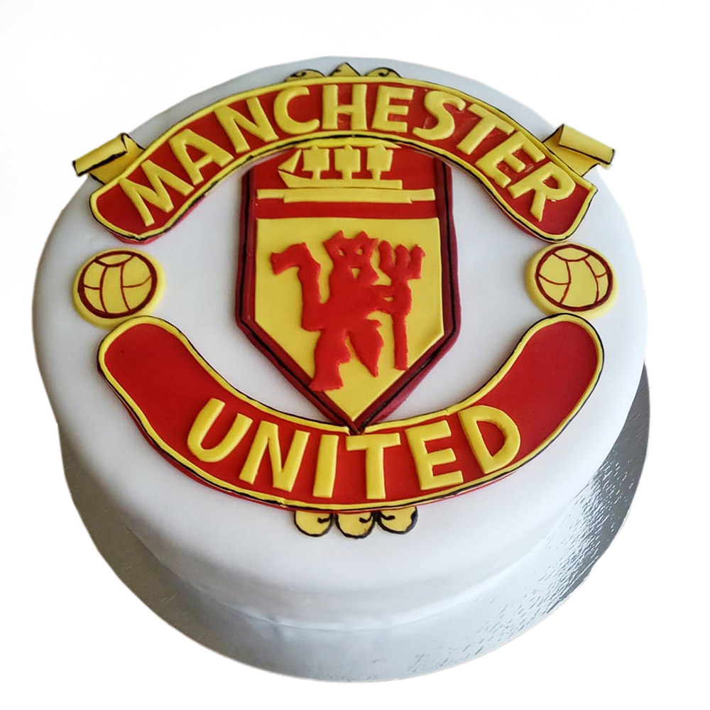 rodjendanska torta bele boje sa fondanom za fudbalere 3